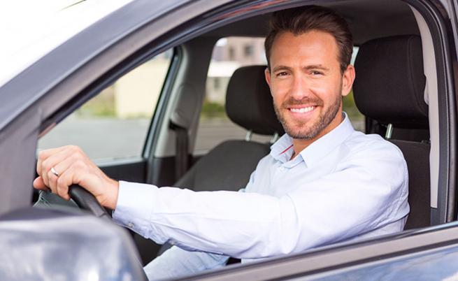 Повечето мъже взимат шофьорските курсове от първия път, но не и жените