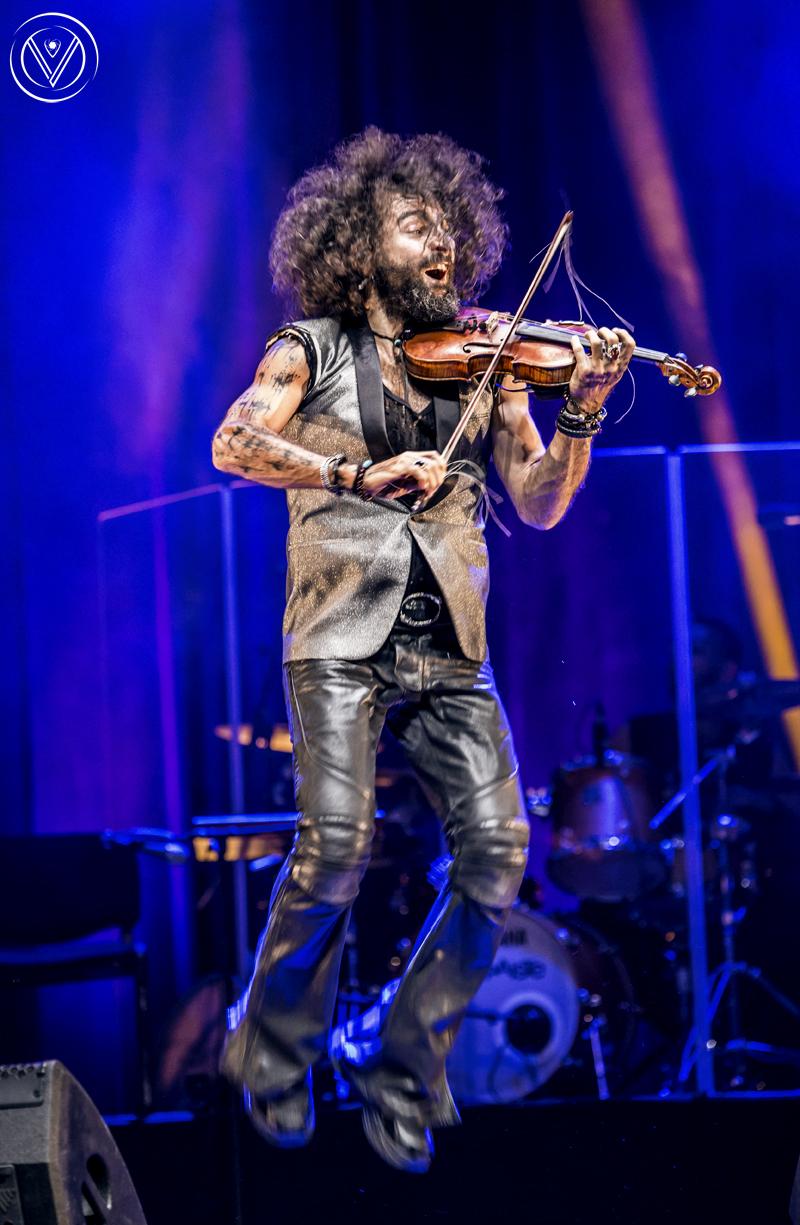 """Безспорният идол на """"Лудият музикант"""", както още го наричат е Паганини."""