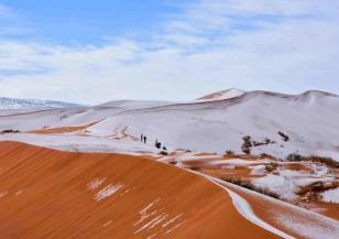 Заваля сняг над Сахара