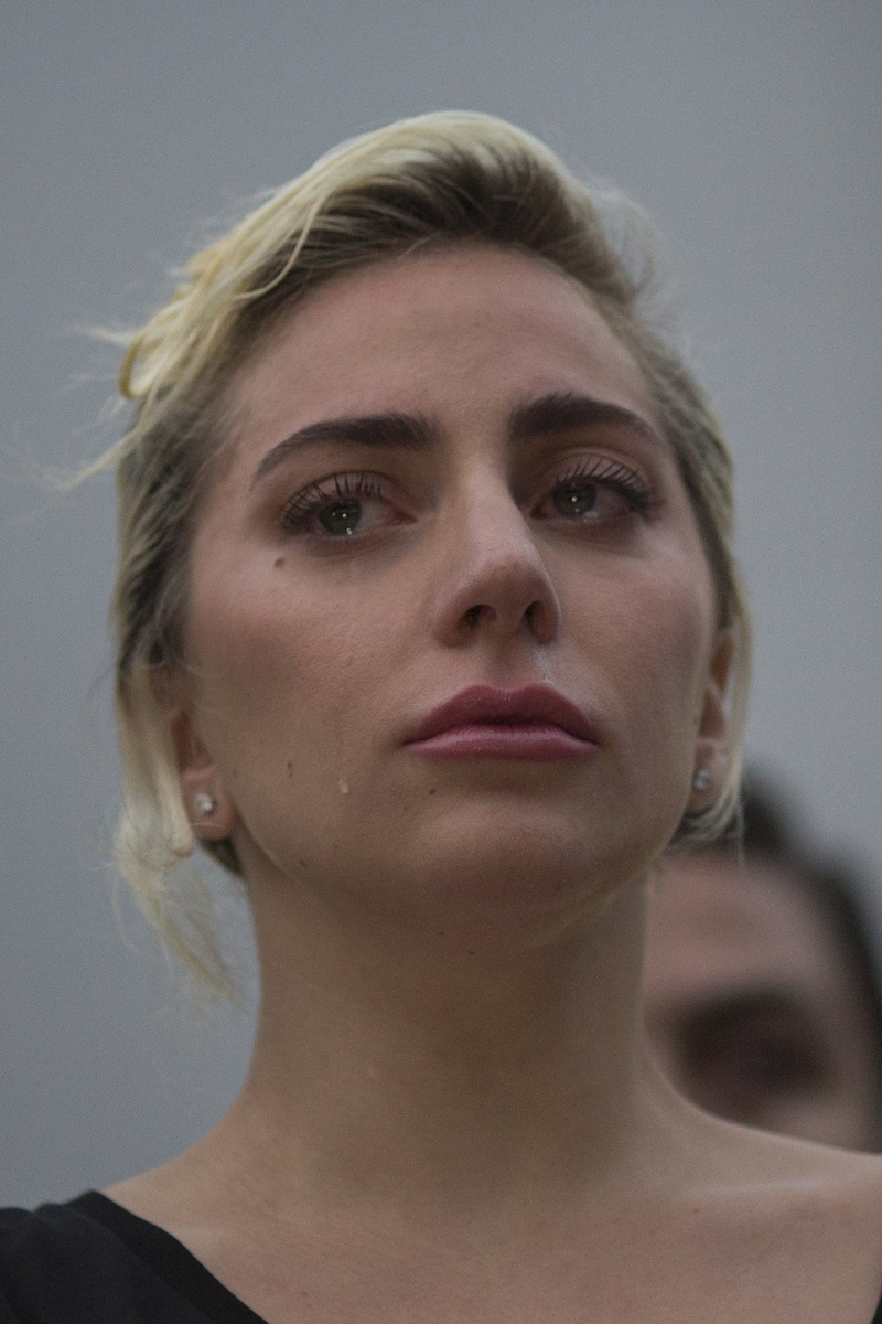 Лейди Гага е една от звездите, изгубили дома си в пожарите.