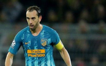 Атлетико притиснат да реши бъдещето на двама играчи