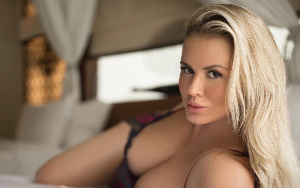 Големите гърди отказали руска фигуристка от спорта