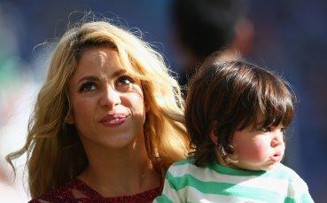 Шакира е истинска футболна майка