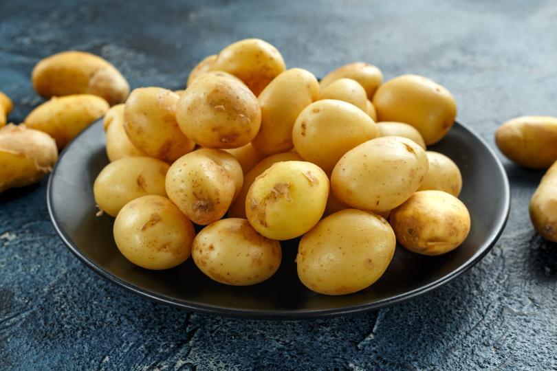 <p><strong>Не прекалявайте с картофите</strong></p>  <p>Ако по време на пост менюто ви се състои основно от картофи, отново има риск да не отслабнете значително. Вместо това наблягайте на моркови, броколи, брюкселско зеле, лук, чушки, бобови храни.</p>