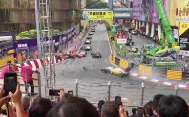 Ужасяваща катастрофа във Формула 3