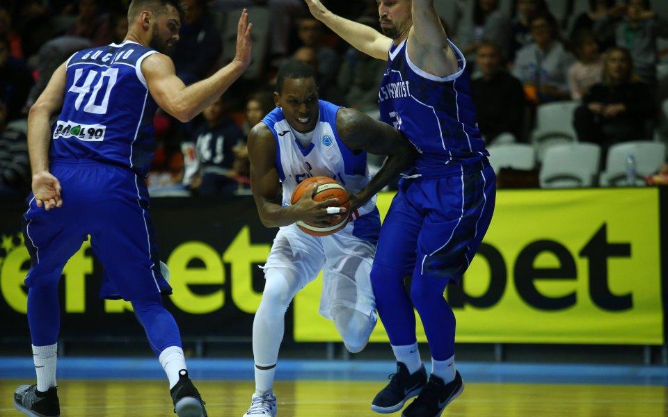 Левски Лукойл с осма поредна победа в НБЛ