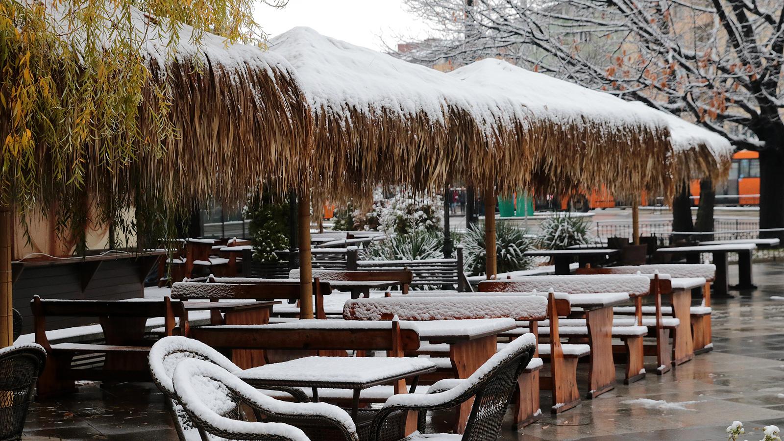 Днес спира да вали. Още преди обяд от югозапад валежите ще отслабват до вечерта и ще спрат, най-късно привечер в Североизточна България.