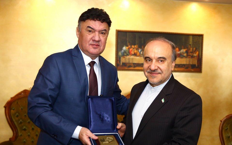 Кралев и Михайлов подписаха меморандум с Иран