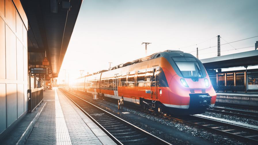 Пътнически влак дерайлира в Кресненското дефиле