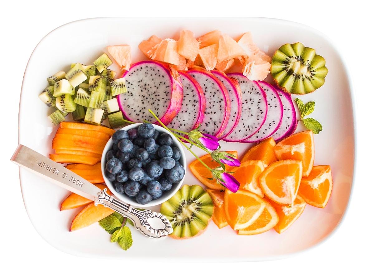 Внимавайте с екзотичните храни Ако сте от хората, които са свикнали да похапват най-вече продукти, характерни за нашите географски ширини, по време на пост не се хвърляйте стремглаво към екзотичните храни. Има опасност при рязката смяна на храната, стомахът ви да не реагира положително. Ако искате да опитате нови вкусове, въвеждайте ги поетапно, за да не си докарате стомашни неразположения.