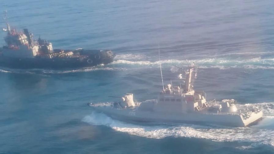 <p>УНИАН: Руски кораб стреля по украински, има ранени</p>