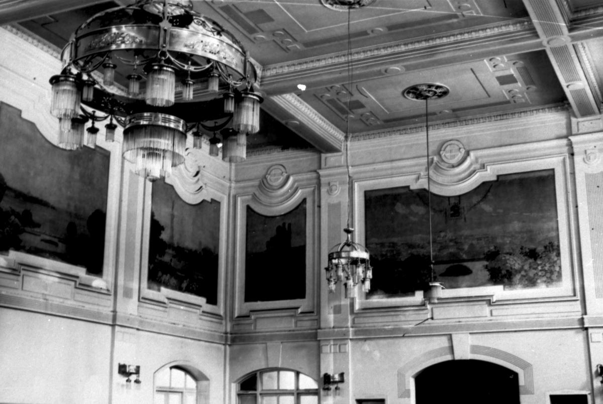 Градското казино, мястото, където е проведен конкурсът отвътре.