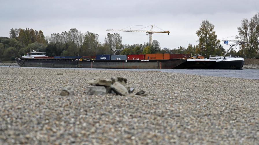 <p>Жестока суша в Германия, бензинът почва да не достига</p>