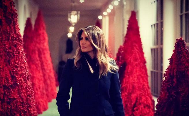 Мелания преобрази Белия дом за Коледа. Вижте