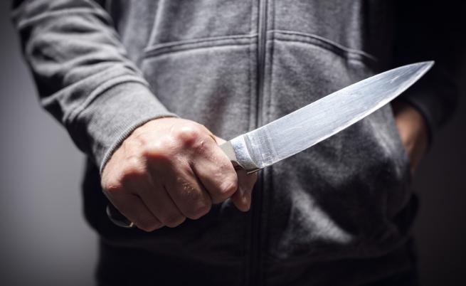 Агресия между деца: ученик наръга връстник с нож