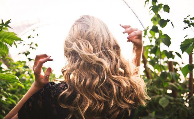 Как да се справим с цъфтящите краища на косата (ВИДЕО)