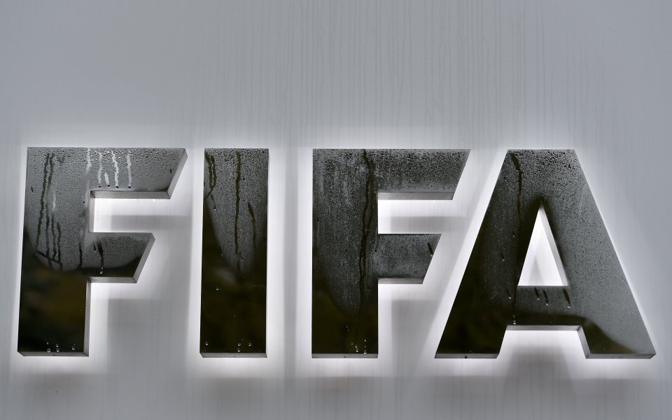 Почина арестуван за корупция бивш член на ФИФА