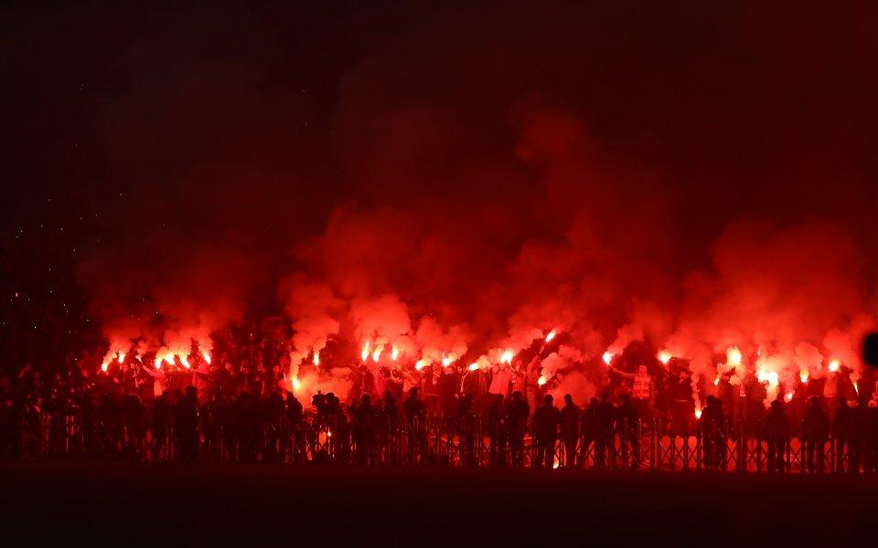 Уникална атмосфера: 40 хиляди на тренировка на Галатасарай