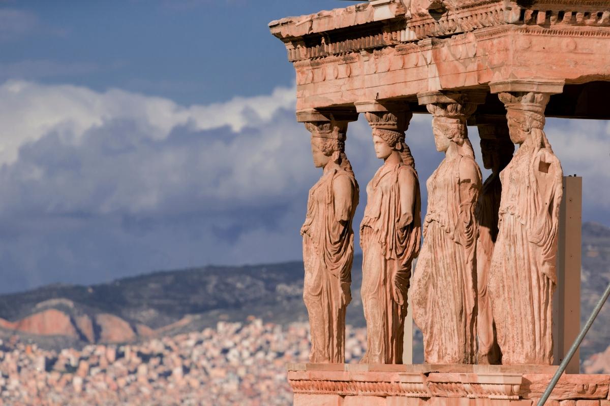 Да видите акропола в Атина. Това е един от най-вълнващите начини да си устроите пътешествие във времето и да видите същото, което са гледали всеки ден и хората от Античността.
