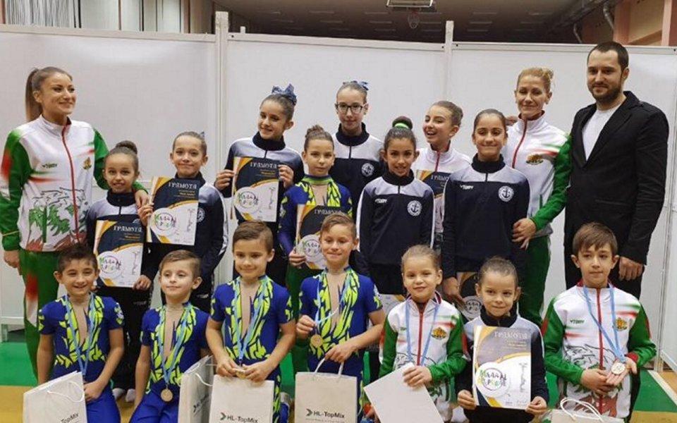 """Акробатите на Черноморец с призови места от Държавен турнир """"Млад акробат"""""""