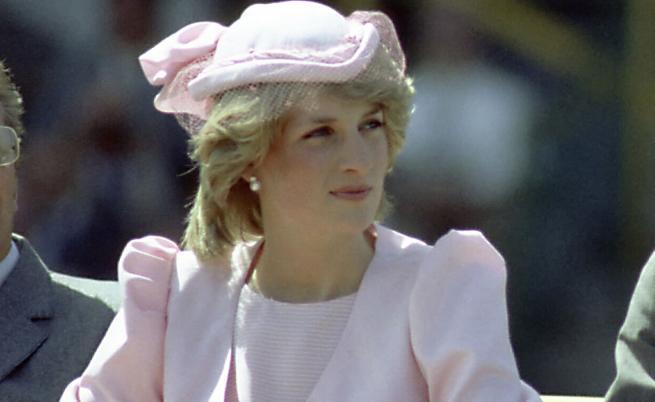 Как една жена купи рокля на принцеса Даяна за 200 паунда