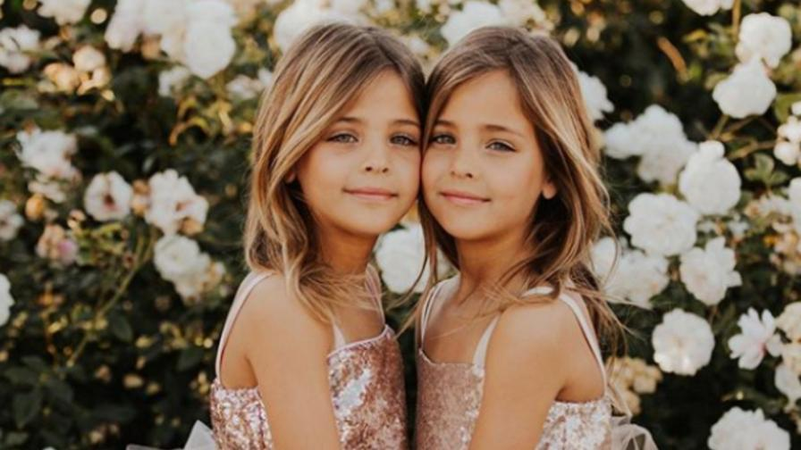 Близначките, които завладяха социалните мрежи с красотата си