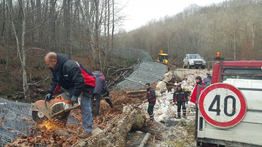 Част от оградата по границата с Турция падна, защо