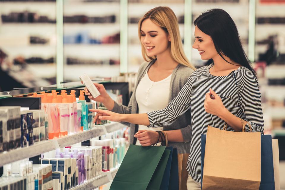 приятелки шопинг