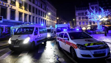 <p>След атентата във Франция: 3 убити и 12 ранени</p>