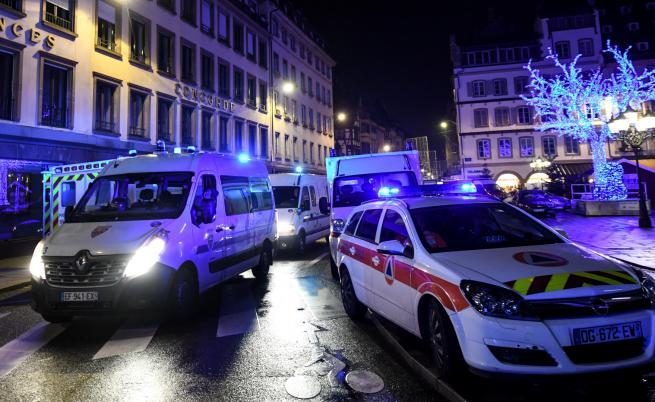 След атентата във Франция: 3 убити и 13 ранени