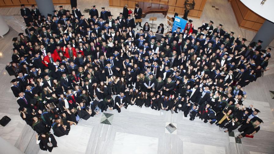 University of Sheffield връчи дипломи на студенти от над 25 страни