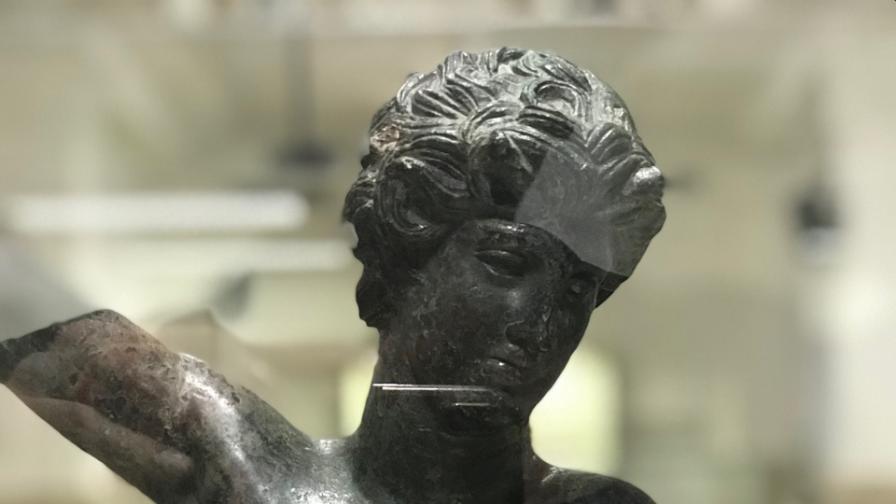 Артефакти от Лувъра в Музея на София
