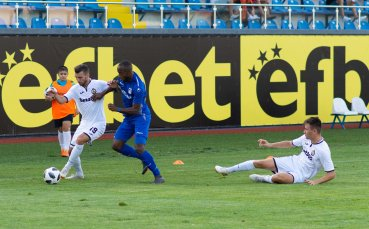 Следи с Gong.bg: Славия дръпна с 2 гола срещу Верея