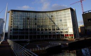 Животът на Моу: 895 дни в хотел за 800 хиляди паунда