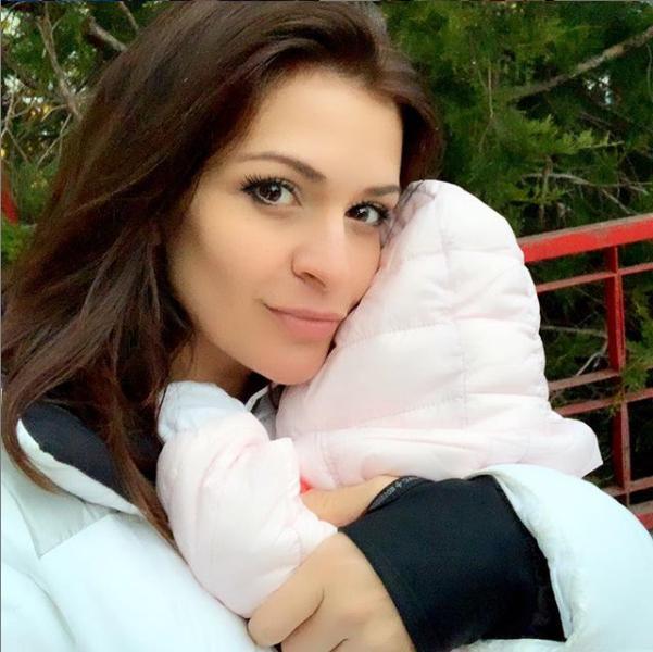 В средата на септември певицата Преслава роди първото си дете. Бебето е момиченце.