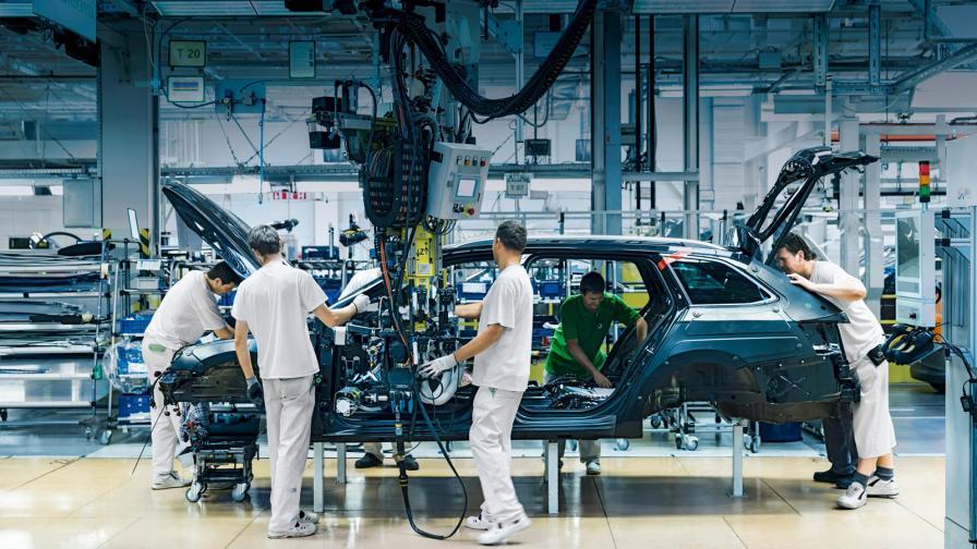 Заводът на Skoda в Квасини, Чехия, на линията е Skoda Superb Combi.