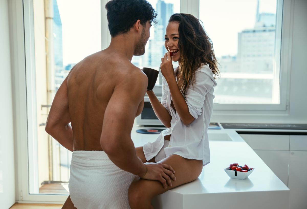 Краката ви може да се разтреперят. Мускулите се напрягат по време на секс, в следствие на което след върховия елемент, може да получите леки спазми. Ако това се случи - хапнете нещо сладко, авокадо или банан.
