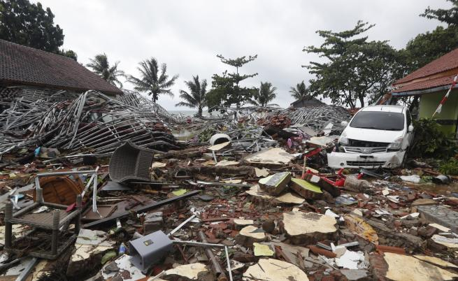 Ново цунами заплашва Индонезия