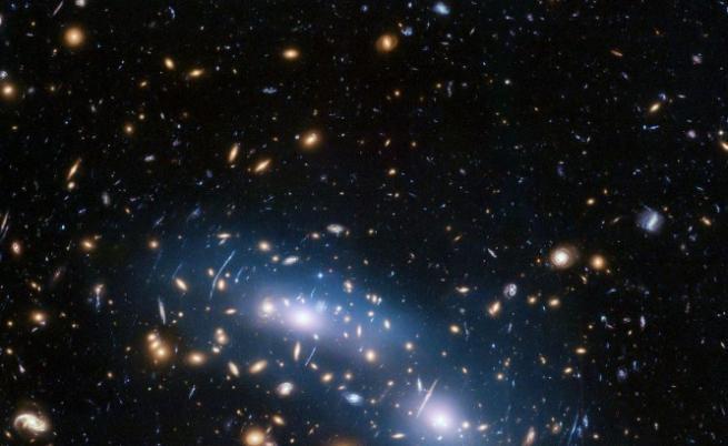 Мистерията на тъмната материя се заплита повече