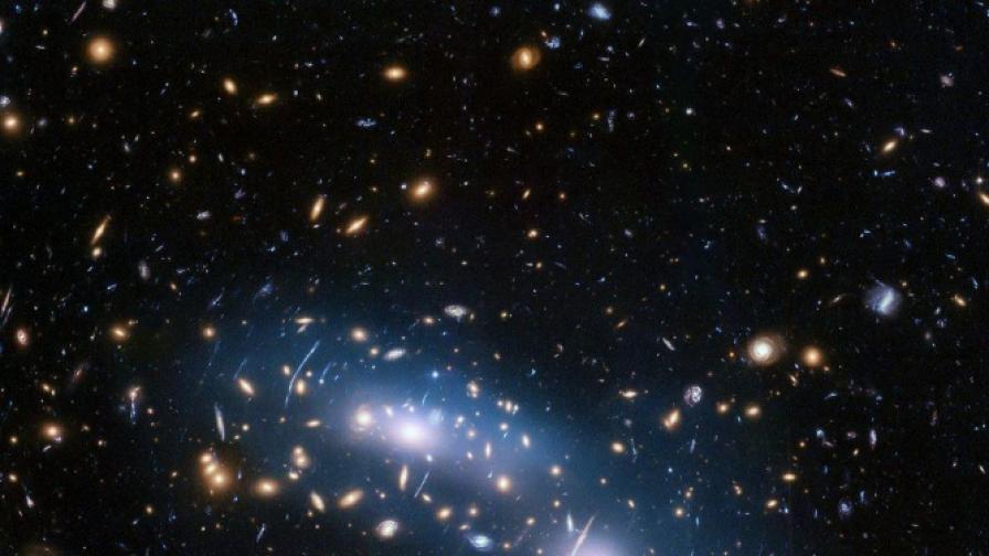 Светлината от звездните купове помага за проследяване на тъмната материя