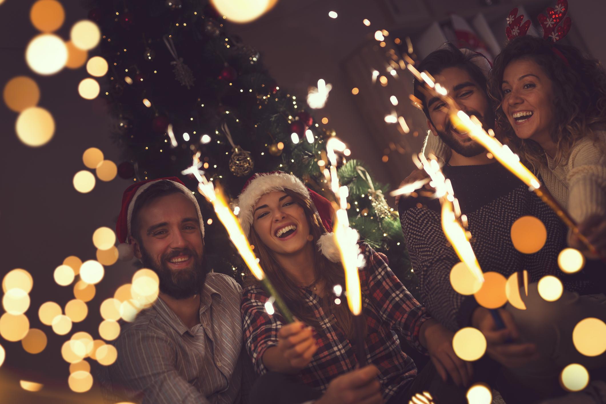 2. Решете с кого искате да изпратите 2018 и посрещнете 2019 година. Важно е да знаете колко голяма ще бъде компанията, с която ще сте – дали ще споделите романтична новогодишна почивка с половинката си или пък ще си организирате шумен уикенд с приятели.