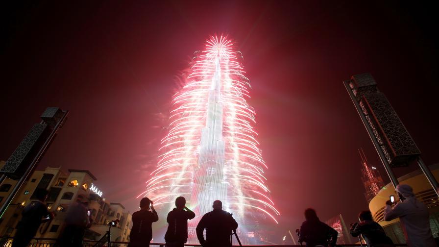 <p>Невероятно светлинно шоу за Нова година в Дубай (ВИДЕО)</p>