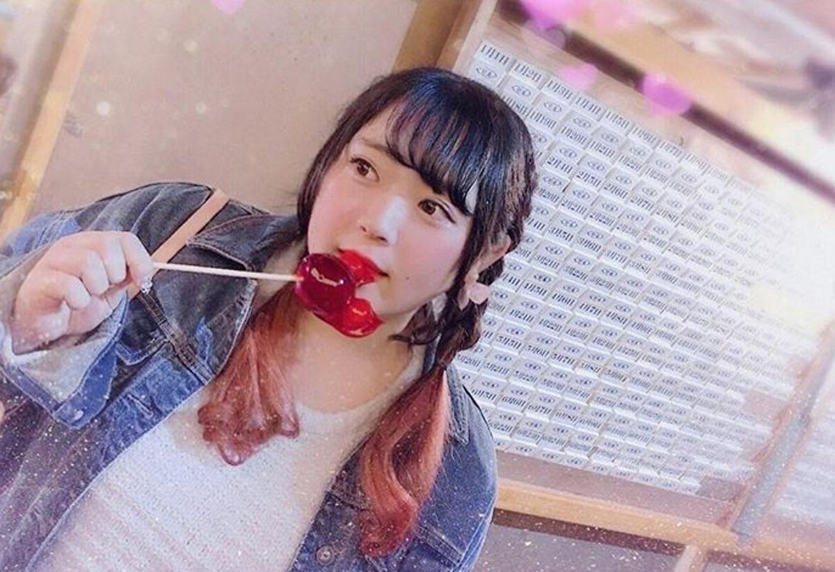 На снимката: Юникорн Чан. В нейния профил преобладават снимките с висококалорична храна.