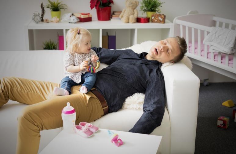 Колкото по-отдадени сте на детето си, толкова по-голям е рискът от депресия, твърди проучване.