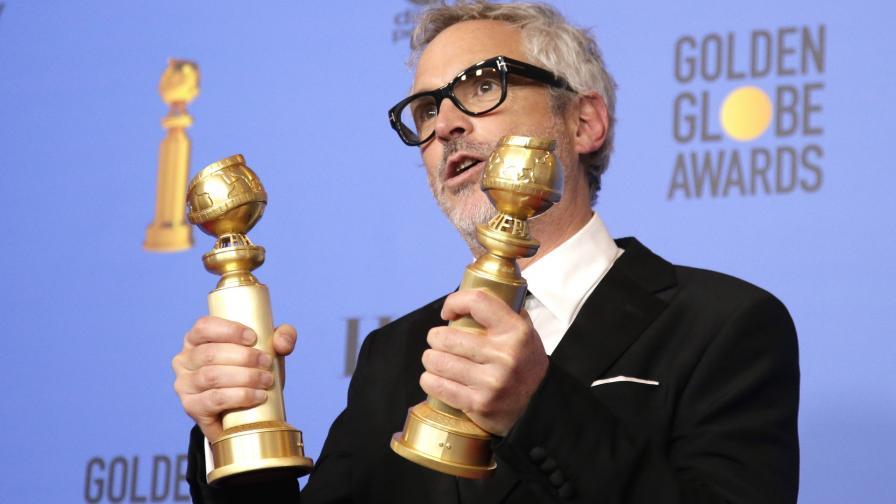 """Режисьорът на """"Рома"""" Алфонсо Куаронс наградите """"Златен глобус"""""""