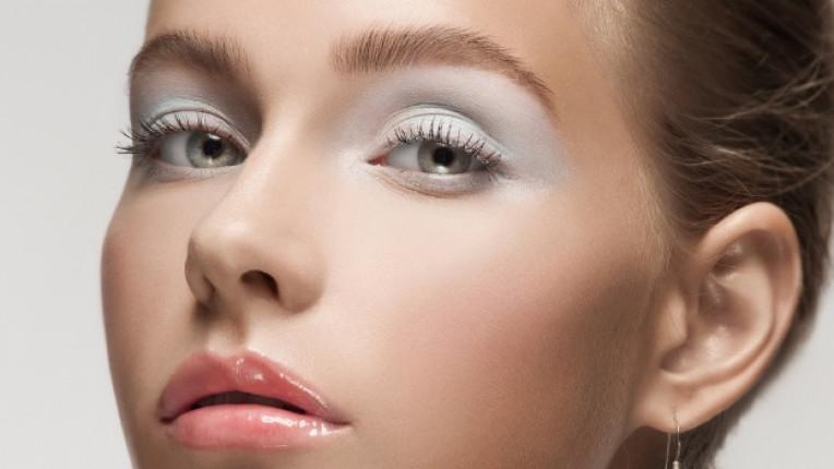бял грим козметика