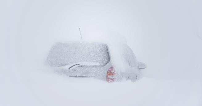 Свят Хаос заради снега в Австрия, Франция продължава да има