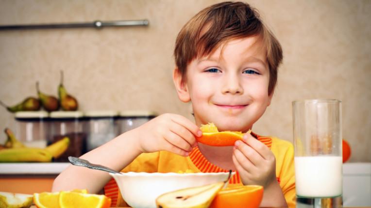 дете храна портокали
