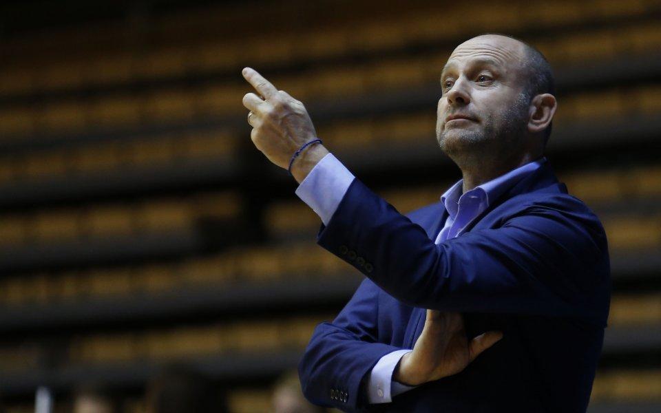 Наставникът на баскетболния Левски Лукойл Константин Папазов коментира ситуацията в