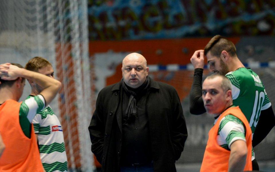 Красен Кралев обеща, че настилката в Габрото на комплекс Христо Ботев ще бъде сменена